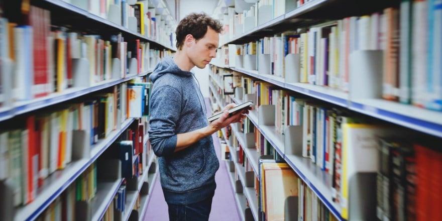 Bahan Literatur di Perpustakaan